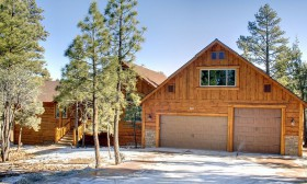 4100 sq ft 4 bedroom 4.5 baths plus large Great Room and Movie Room